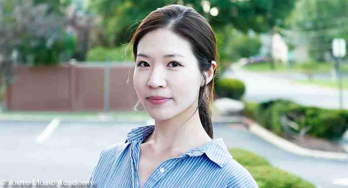 Violinist, Yura Seung-Jung Oh,
